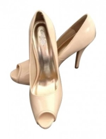 Preload https://item4.tradesy.com/images/charlotte-russe-nude-pumps-size-us-9-158943-0-0.jpg?width=440&height=440