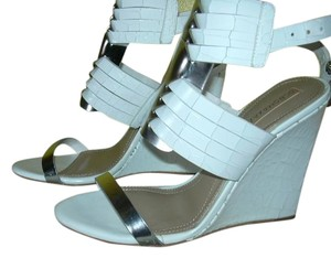 BCBGMAXAZRIA Leather White/Silver Wedges