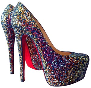 bas prix d444b a0168 Christian Louboutin Daffodile Pumps - Up to 70% off at Tradesy