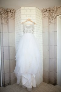 Jim Hjelm Ivory/Antique Organza Bridal Ball Gown Crystal Embroidered Beaded Bodice Jh8364 Vintage Wedding Dress Size 4 (S)