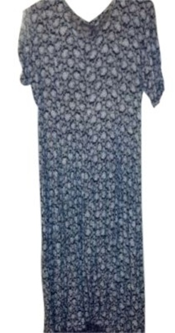 Preload https://item2.tradesy.com/images/black-and-white-above-the-ankle-long-casual-maxi-dress-size-12-l-158961-0-0.jpg?width=400&height=650