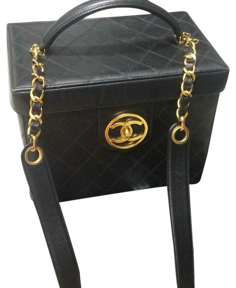 7e4411ce3490 Chanel Makeup Cosmetic Leather Weekend/Travel Bag - Tradesy