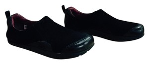 Earth Comfort Retro Sixties Vibe Black microfiber Flats