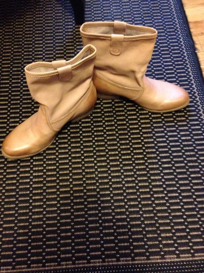 OTBT Camel colored Boots