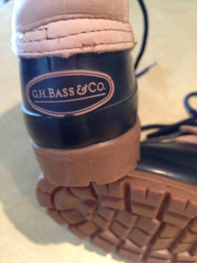 G.H. Bass & Co. Green And Beige Boots