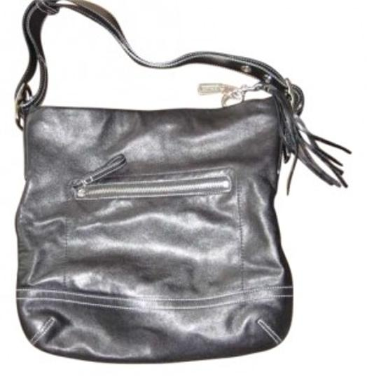 Preload https://item5.tradesy.com/images/coach-black-leather-shoulder-bag-158974-0-0.jpg?width=440&height=440