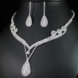 All Rhinestones And Crystals Drop Pear Bib Choker Statement Necklace And Drop Earring Bridal Wedding Jewelry Set 2016