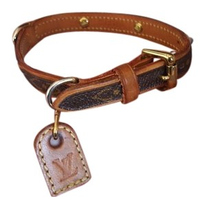 Louis Vuitton Louis Vuitton Baxter Collar
