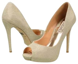 Badgley Mischka Metalic soft gold Platforms