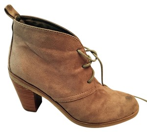 American Eagle Outfitters Chunky Heels Tan suede Boots