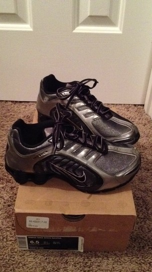 Nike black-metallic-pewter-white Athletic