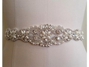 High Quality Bridal Sash Color Ivory Pearls And Rhinestones