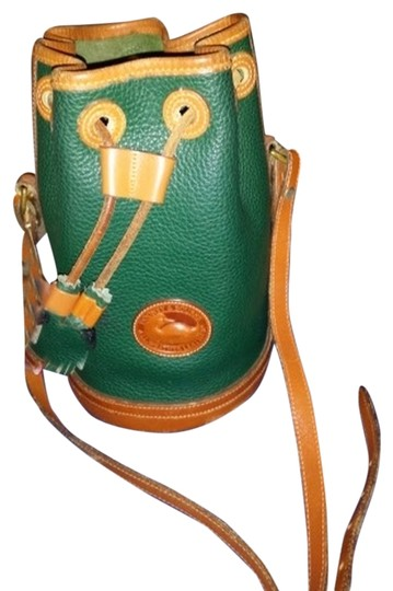 Preload https://item1.tradesy.com/images/dooney-and-bourke-shoulder-bag-green-tan-trim-1590320-0-0.jpg?width=440&height=440