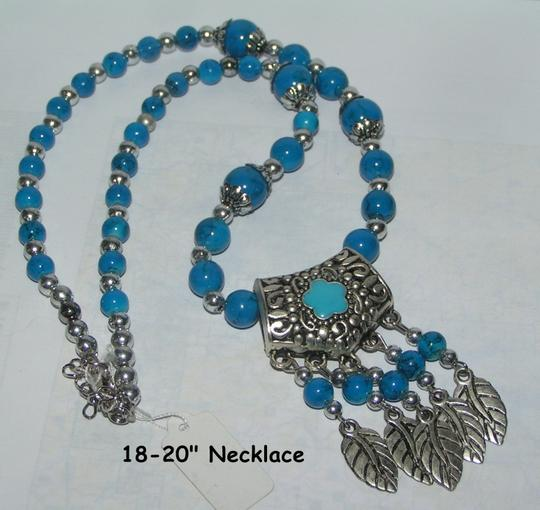 Preload https://img-static.tradesy.com/item/1590482/turquoise-blue-bogo-free-beaded-free-shipping-necklace-0-0-540-540.jpg