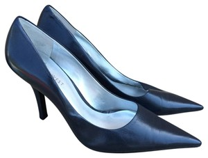 Nine West Honore Pointy Toe Leather Navy/Black Pumps