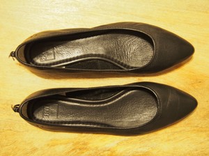 Frye Classic Pointed Toe Ballet Black Flats