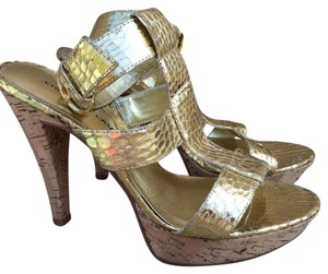 Chinese Laundry Textured Cork Platform Shiny Gold Sandals