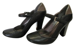 Kenneth Cole Reaction Leather Size 7.50 M Black, Gray Pumps