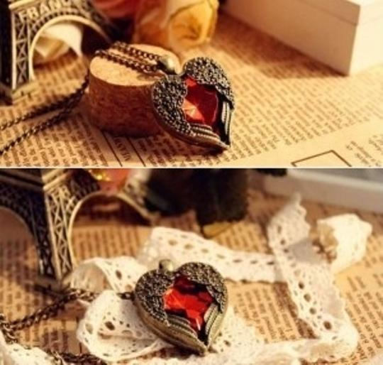 Other Vintage Red Rhinestone Wing Heart Necklace Chain, fashion necklace