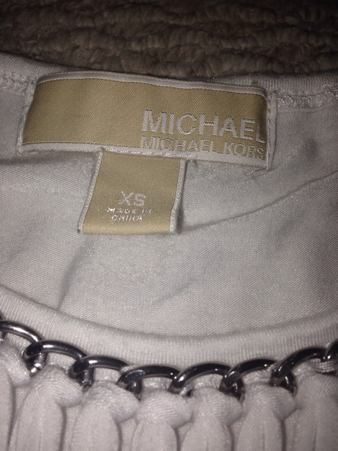 Michael Kors Top White with a silver chain Image 1