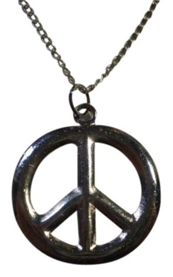 Preload https://item2.tradesy.com/images/silver-silvertone-peace-symbal-necklace-159076-0-0.jpg?width=440&height=440