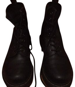 Dr. Martens Black Athletic