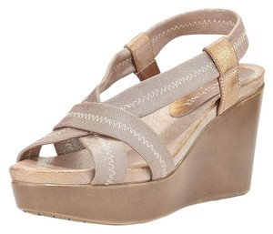 Donald J. Pliner Light Bronze Wedges