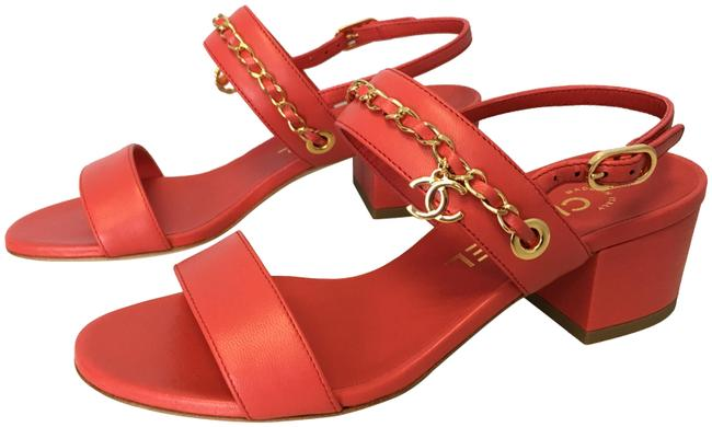 Item - Red Classic Gold Woven Chain Cc Logo and Clover Dangle Charms 45mm Heels Sandals Size EU 35 (Approx. US 5) Regular (M, B)