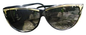 True Vintage Glamour Girl Cat eye sunglassed in Black Rhinestone Accent 70/80s