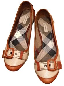 Burberry Ivory, brown Flats