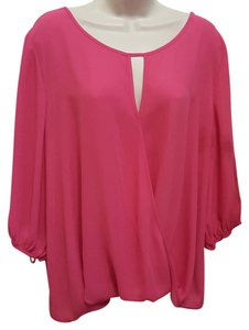 Vince Camuto 3/4 Sleeve Hot Keyhole Top Pink