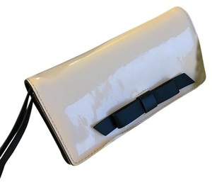 Kate Spade Patent Leather Classic Wristlet in Balletslip (light/nude pink), Black