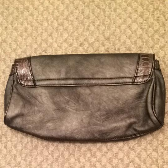 Guess Nightout Fashion Style Handbag Gunmetal Grey Clutch Image 1