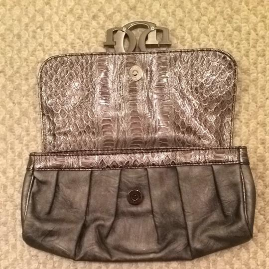 Guess Nightout Fashion Style Handbag Gunmetal Grey Clutch Image 3