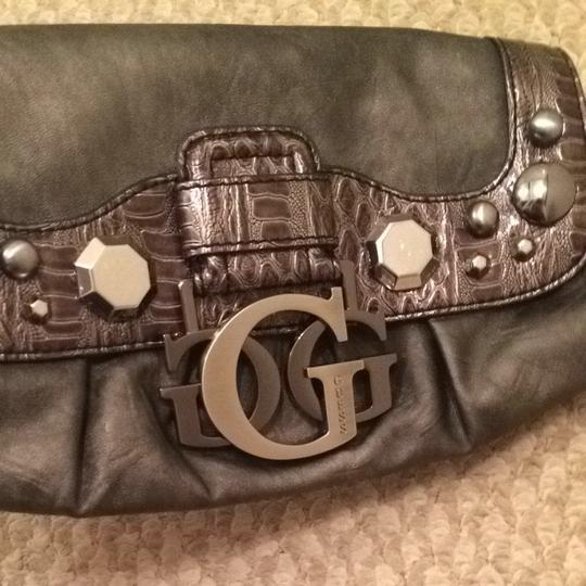 Guess Nightout Fashion Style Handbag Gunmetal Grey Clutch Image 7