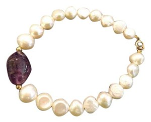 Pearl and Amethyst 585/14K Gold Nice 7 Inch Flat Pearl Bracelet,Stamped 585 on Clasp, Purple Stone Half Inch Wide,Excellent!