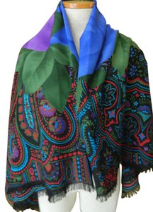 Gucci GUCCI Shawl Wrap Sarong Roses Jewel Tones Fringe 52 x 52 Gorgeous New