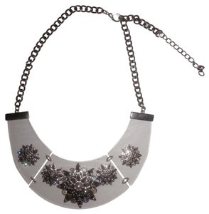 Silver Rhinestone Clear Acrylic Statement Fashion Chain Necklace