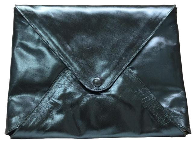Item - Lacquered Sparkling Green Leather Clutch