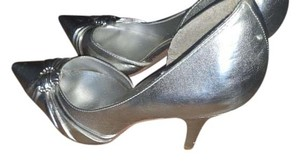 Simply Liliana Silver Pumps