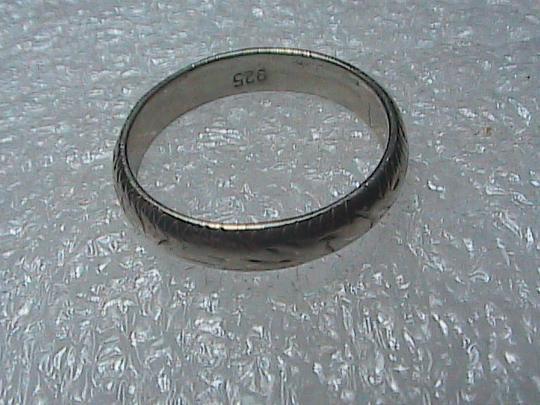 Vintage Sterling Silver Etched Band Ring Image 4