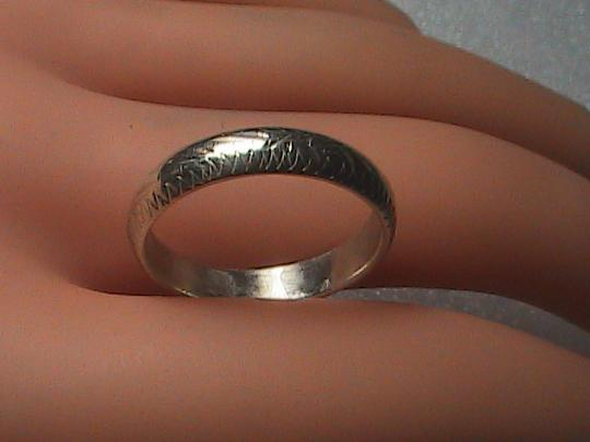 Vintage Sterling Silver Etched Band Ring
