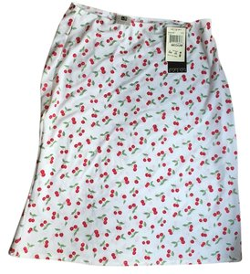 International Newport Group Skirt