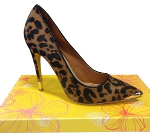 Yellow Box Cheetah - Leopard print Pumps