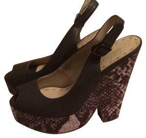 Nine West Gray Wedges
