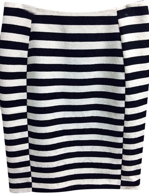 Preload https://img-static.tradesy.com/item/1593481/ann-taylor-black-and-white-striped-damask-print-skirt-size-petite-2-xs-0-0-650-650.jpg