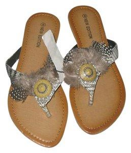 new edition Animal Print Flip Flop grey Flats