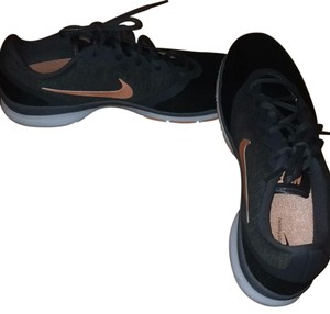 Nike Black, Gray, little coral Athletic