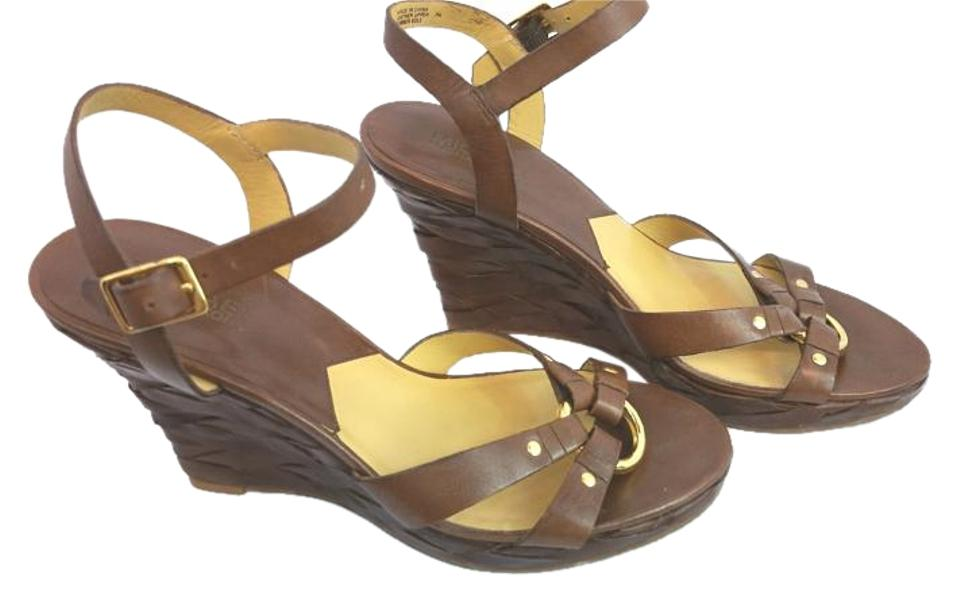 b1e53243a1bc22 Michael Kors By Brown Leather 7m Sandals Size US 7 Regular (M