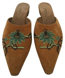Evelyn Paul Camel Mules